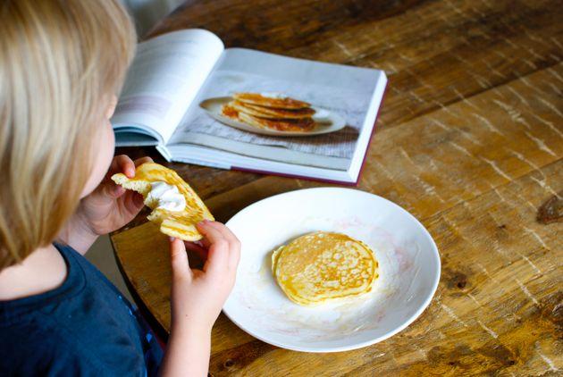fluffy pancakes with yogurt