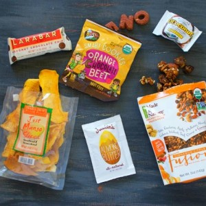 6 Healthy Snacks to Stash in Your Purse