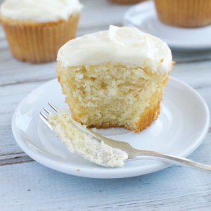 "Lemon Cupcakes and Thoughts on Eating ""In the Middle"""