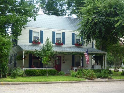 corner cottage fredericksburg