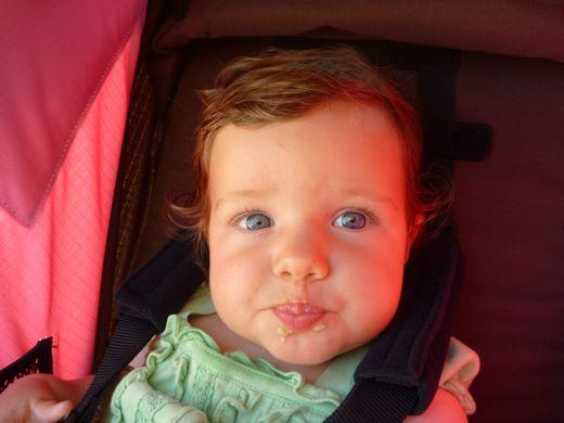 feeding baby solid food