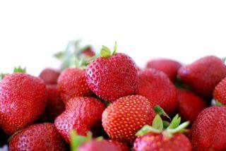 pick good strawberries