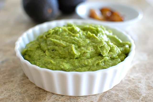 Avocado Dip with Roasted Garlic and Basil - Eating Made Easy