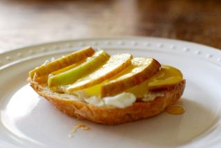 apple and goat cheese