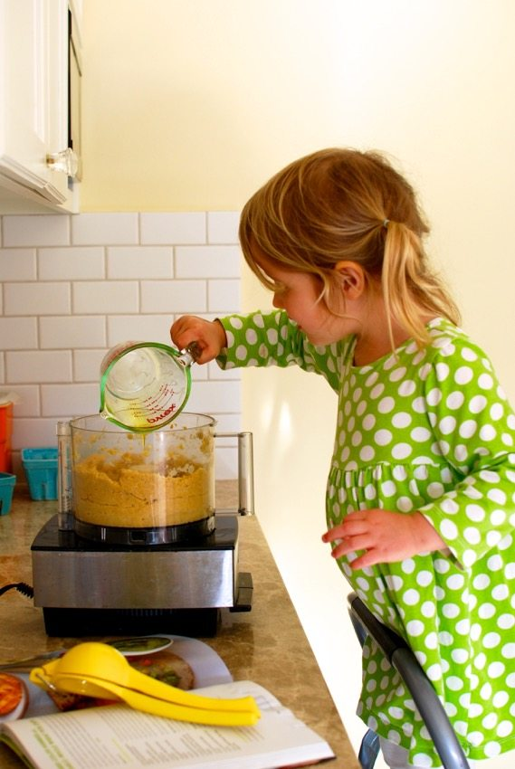how to raise healthy eaters