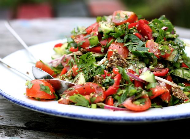 fattoush salad with za'atat