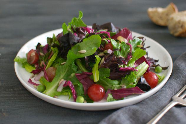 5 Tips to Make Salads Taste Better / Eating Made Easy