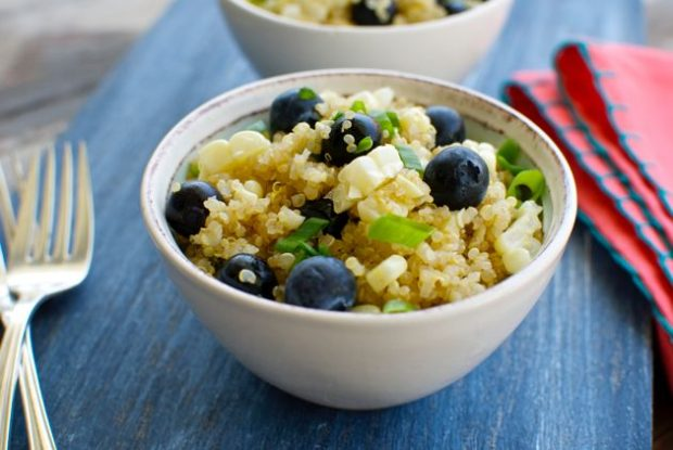Quinoa Salad with Blueberries and Fresh Corn