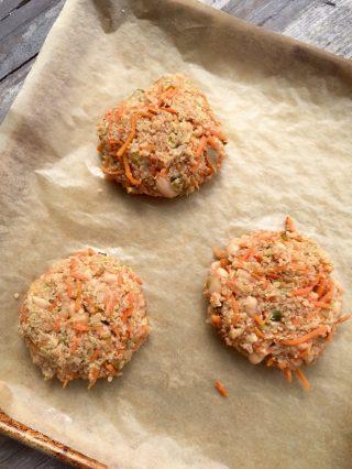 Quinoa veggie burgers - the perfect way to use leftover quinoa!